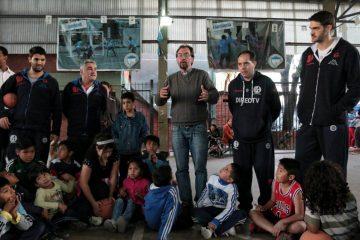 El básquet solidario y cerca de los chicos